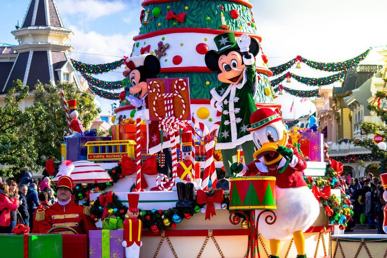 parade de noel 2018 eurodisney Aller à Disneyland Paris à Noël   La liste des Films DIsney parade de noel 2018 eurodisney