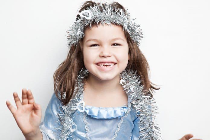 Comment organiser un anniversaire enfant sur le thème de la Reine des Neiges ?