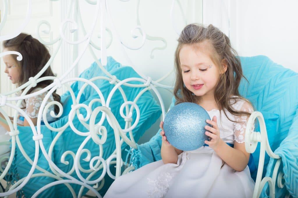 Pourquoi organiser un anniversaire enfant sur le thème de la Reine des Neiges ?